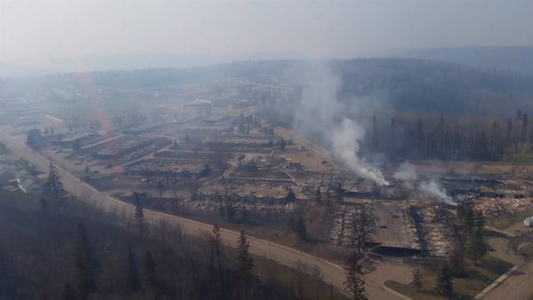 Firefighters-save-about-90-per-cent-of-Fort-McMurray